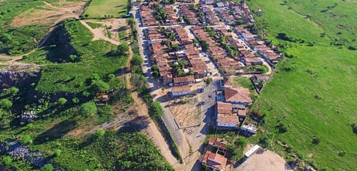 Prefeitura inicia construção de praças em comunidades rurais contando com quiosque, playground e quadra